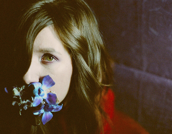 Circuit Des Yeux Streams A Preview Of Her Forthcoming Album In Its
