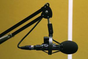 Resonance+FM+studio+microphone