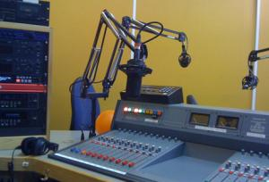 resonance+fm+studio